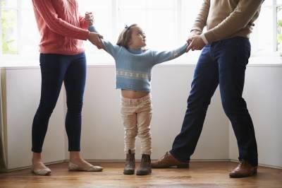 Kelly Rutherford's child custody case