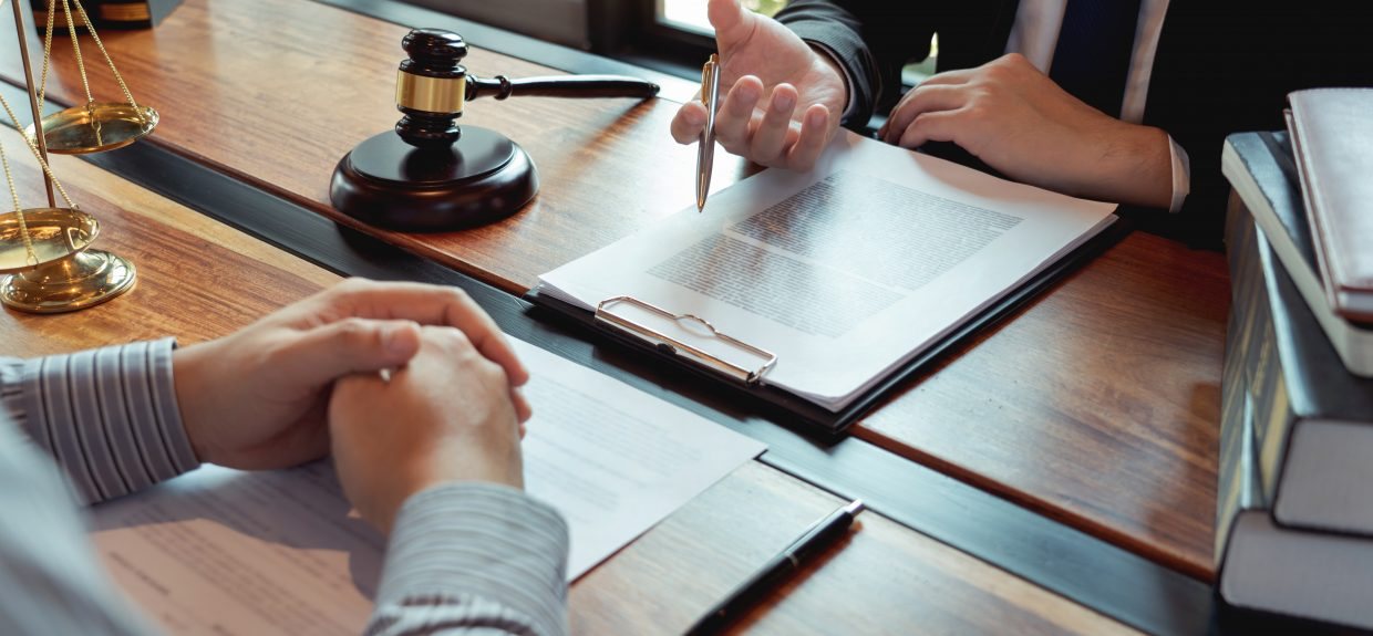 How Do I Pick the Right Attorney For Me?